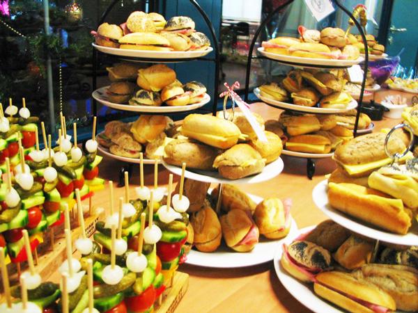 Lunchen, Vroomshoop, Overijssel, zakelijke lunch, bedrijfslunch, catering, Lunchroom Bij Saartje, Overijssel, Vroomshoop