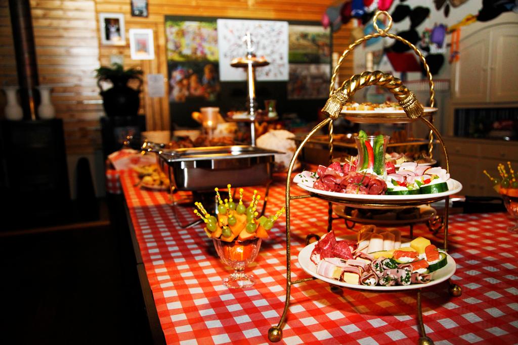 buffet, feest, Overijssel, catering, Vroomshoop, Lunchroom Bij Saartje, hapjes