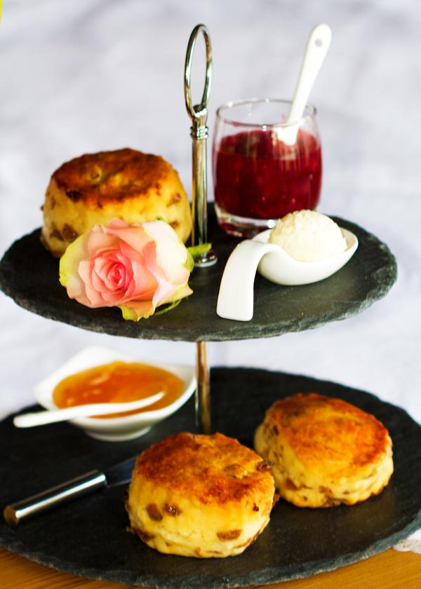 Engelse High tea, Lunchroom Bij Saartje, zoet en hartig, high tea