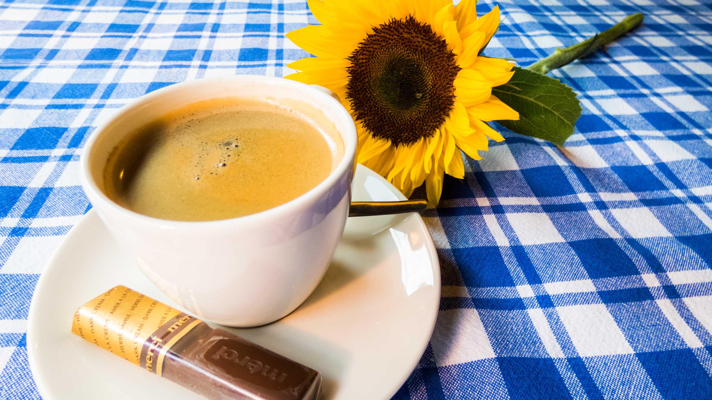 Koffie Bij Saartje, koffie drinken Vroomshoop, koffie drinken Overijssel, koffie met lekkers