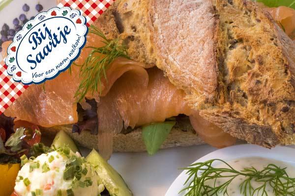 broodje zalm, zalm, Lunchroom Bij Saartje, luxe lunch