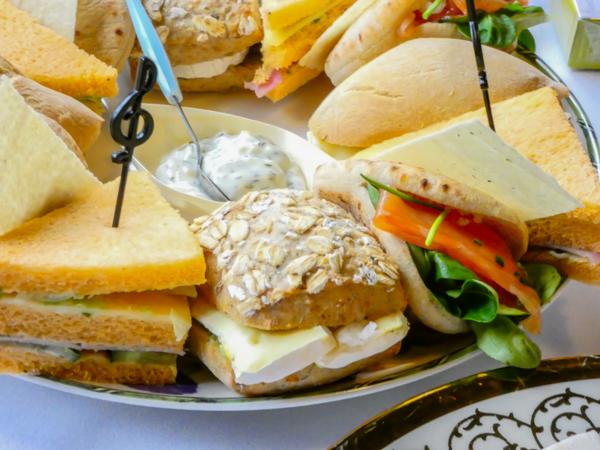 Heerlijke luxe High tea broodjes & sandwiches